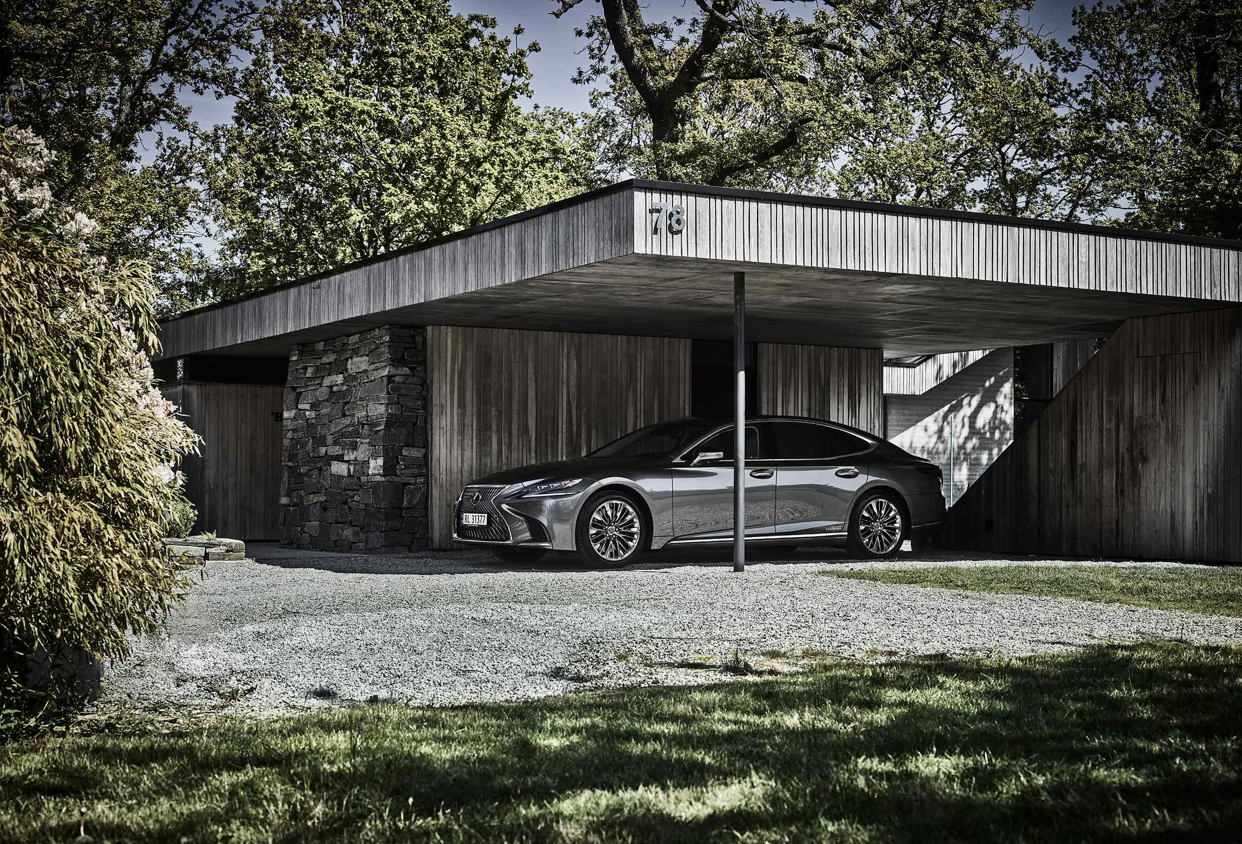 Lexus LS carphotography by Tom Haga